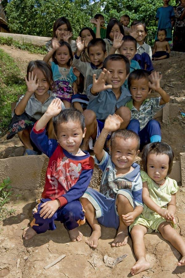 Crianças de Hmong em Laos