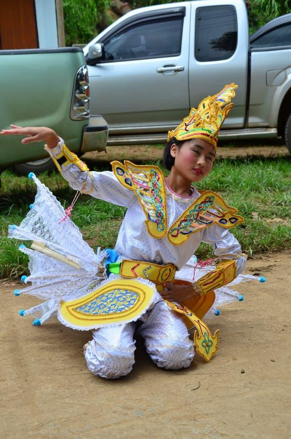 Crianças de Shan eles dança do kinnari da mostra para o viajante foto de stock