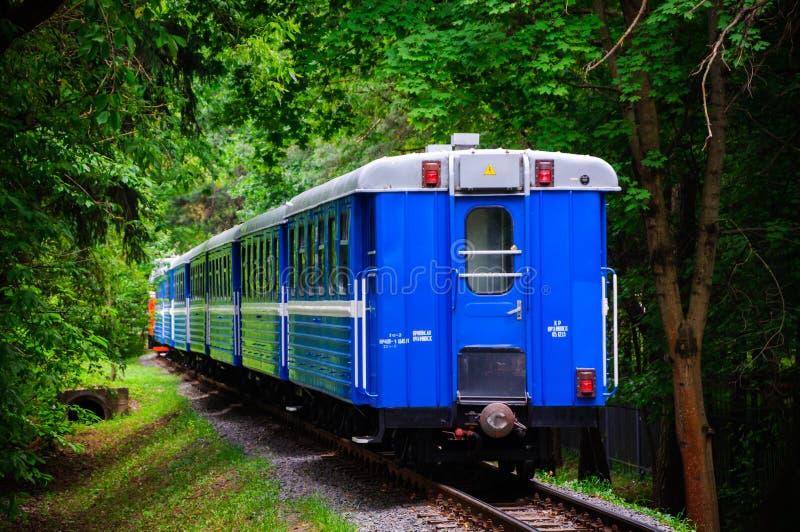 Crianças do trem railway fotos de stock