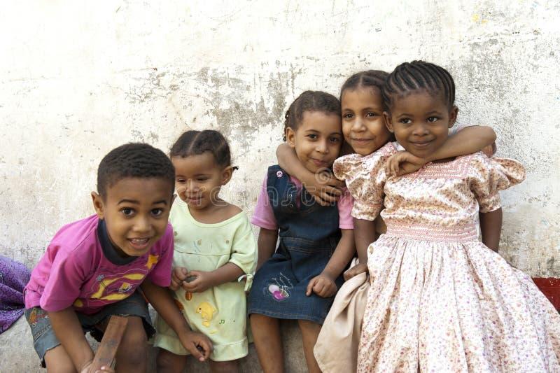 Crianças doces em Zanzibar fotos de stock