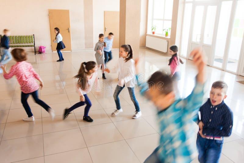 Crianças durante a ruptura fotos de stock royalty free