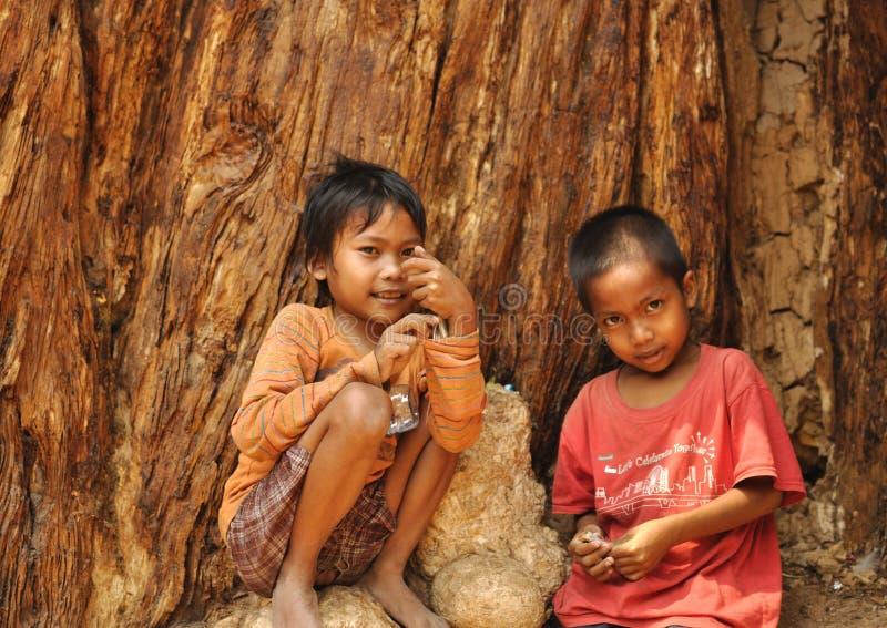 Crianças em Camdobia foto de stock royalty free