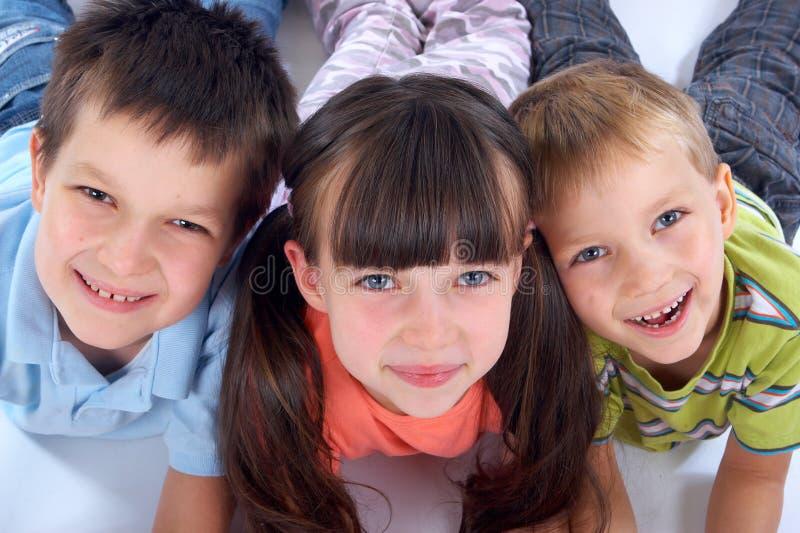 Crianças felizes fotos de stock