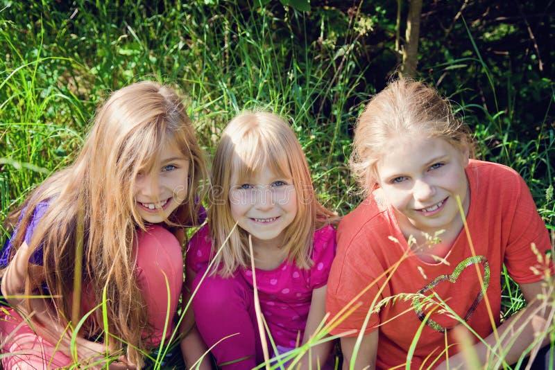 Crianças felizes fotografia de stock