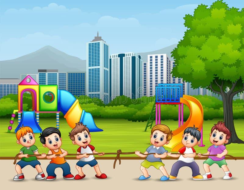 Crianças felizes que jogam o conflito no parque da cidade ilustração stock