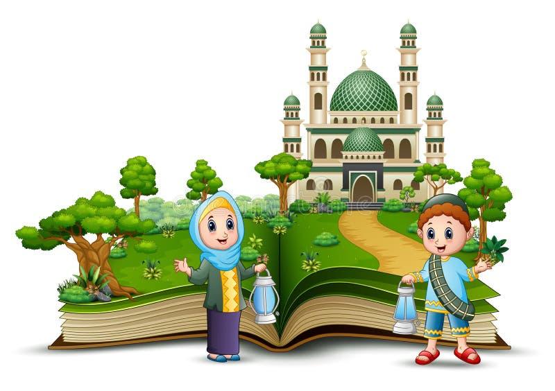 Crianças muçulmanas felizes que guardam lanternas tradicionais na parte dianteira a mesquita de um livro aberto ilustração do vetor