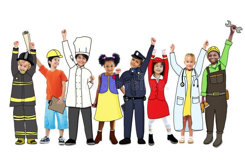 Crianças multi-étnicos diversas com trabalhos diferentes imagens de stock