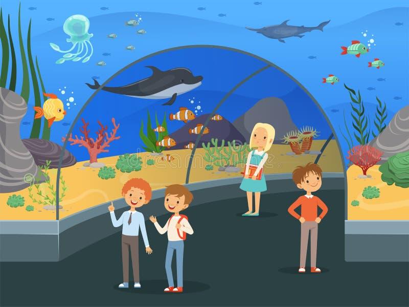 Crianças no aquário Caminhada da família através do museu subaquático com fundo grande do vetor do tanque do aquário dos peixes e ilustração do vetor