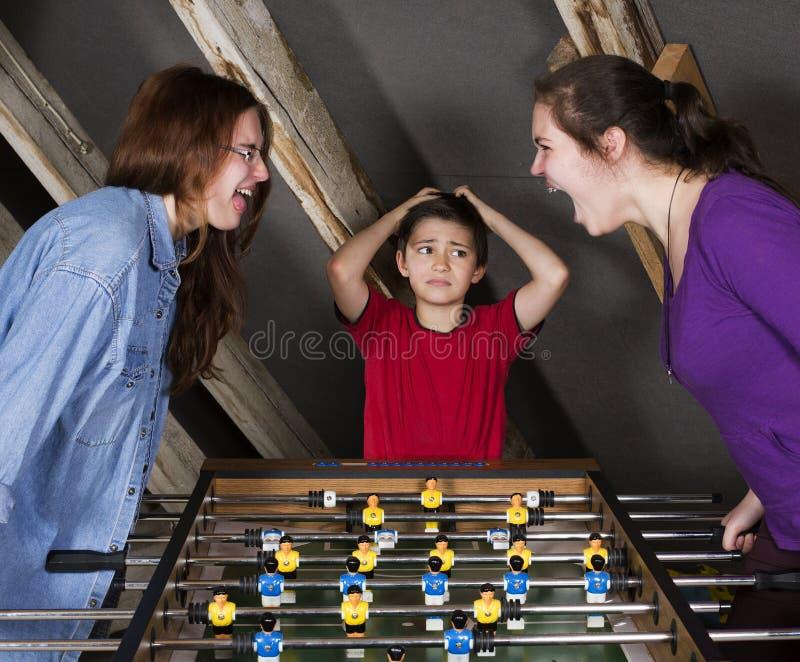 Crianças no futebol da tabela fotos de stock royalty free