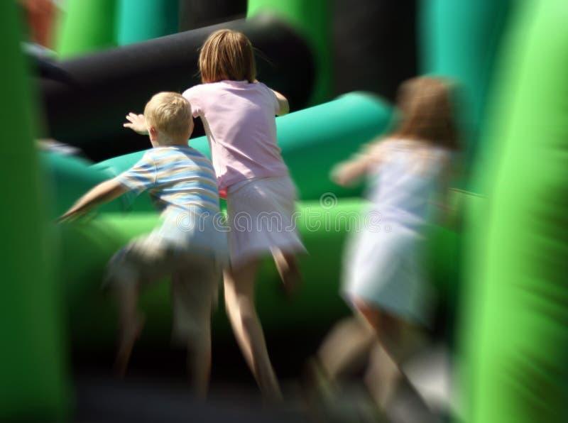 Crianças no jogo imagens de stock