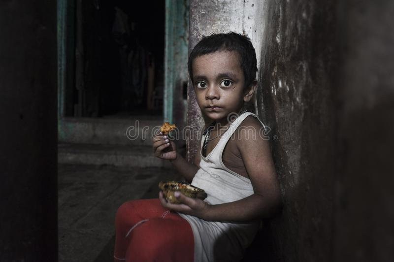 Crianças pobres da cidade velha de Godaulia imagens de stock
