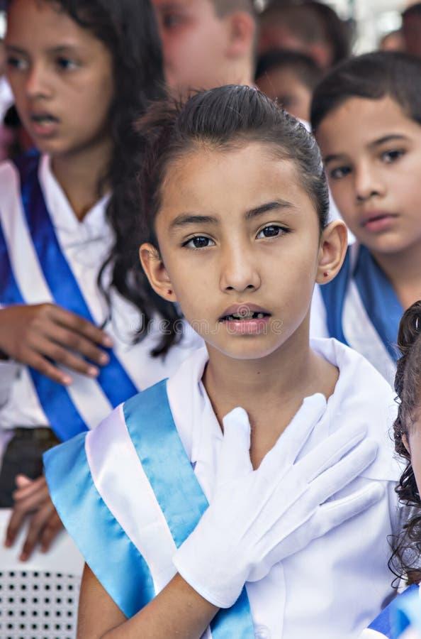 Crianças que comemoram o Dia da Independência em América Central fotografia de stock