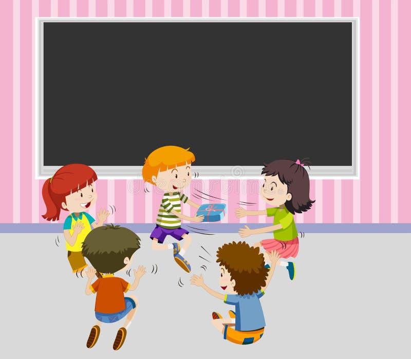 Crianças que passam a caixa de presente entre si ilustração stock