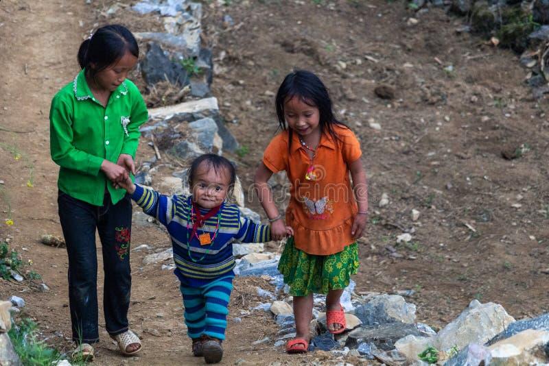 Crianças Vietname da minoria étnica de Hmong imagens de stock royalty free