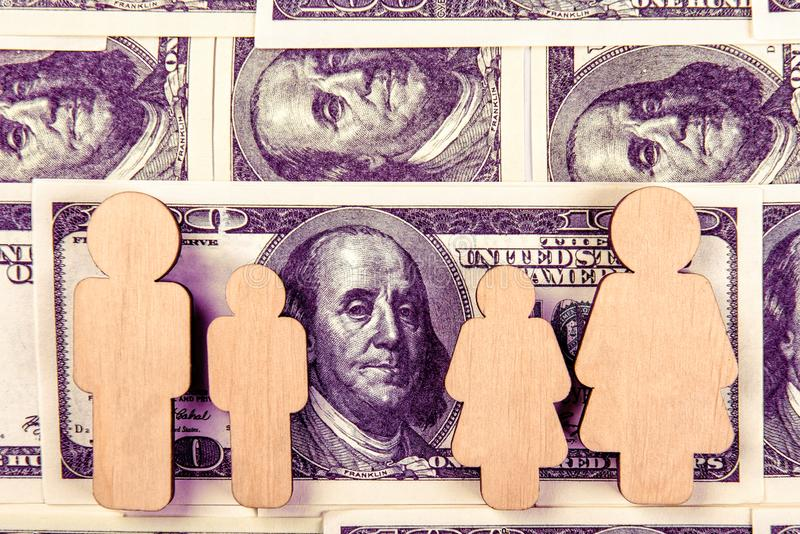 Crian?as da fam?lia Problemas financeiros da vida familiar foto de stock royalty free