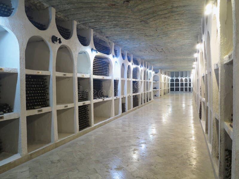 03 10 2015, CRICOVA, MOLDOVA wina Duży podziemny loch z co zdjęcie stock