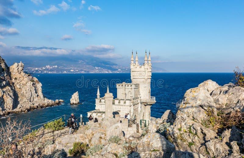 CRIMEIA - 5 DE NOVEMBRO DE 2017: O ninho famoso do ` s da andorinha do castelo em t fotografia de stock royalty free
