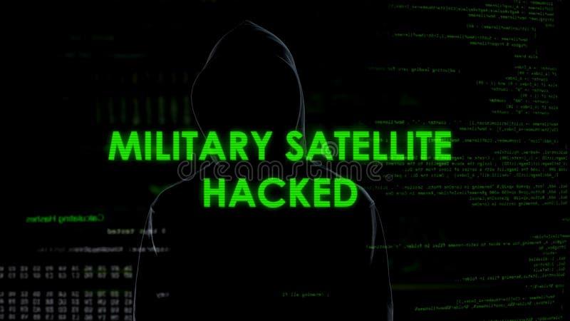 Criminal de ordenador del genio que corta el satélite militar, amenaza de la seguridad nacional imagenes de archivo
