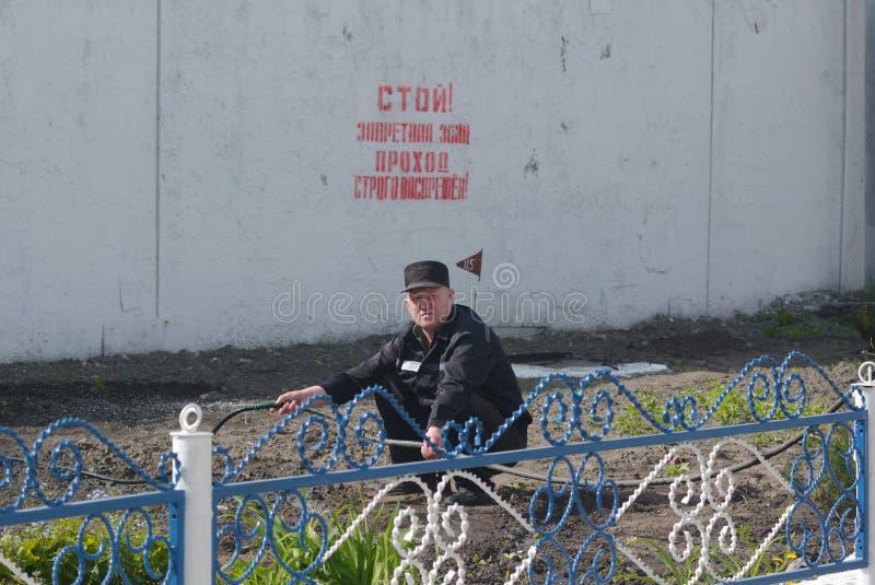 Criminales condenados en una prisión rusa imagen de archivo