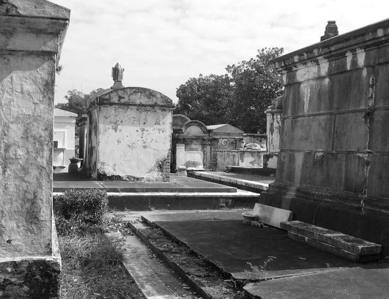 Criptas del cementerio y del entierro del cementerio foto de archivo libre de regalías