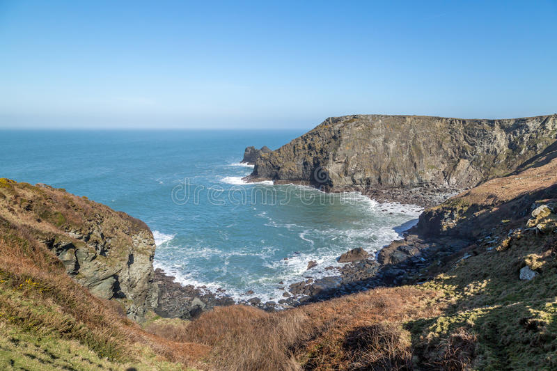 Crique de Benoath et asile de Bossiney photo stock