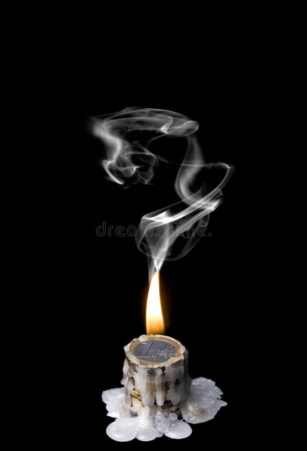 Crise de mundo (queimadura do dinheiro) fotografia de stock