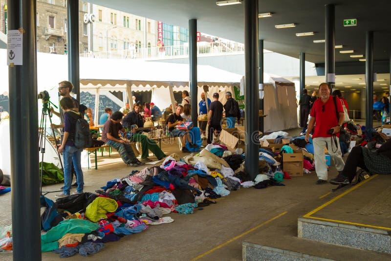 Crisis de los refugiados, en Budapest, Hungría el 15 de septiembre de 2015 foto de archivo