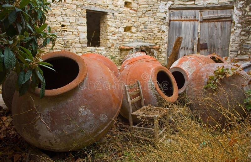 Crisoles grandes en Chipre. foto de archivo libre de regalías