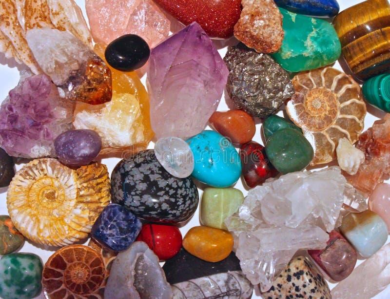 Cristais de minerais e pedras semi preciosas imagem de stock