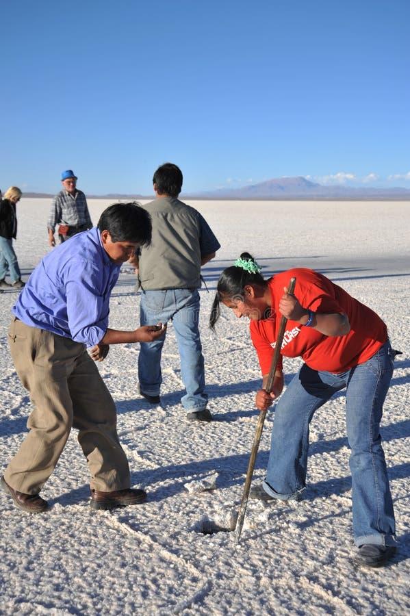 Cristais minados bolivianos de sal imagens de stock