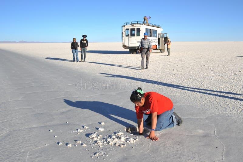 Cristais minados bolivianos de sal imagem de stock