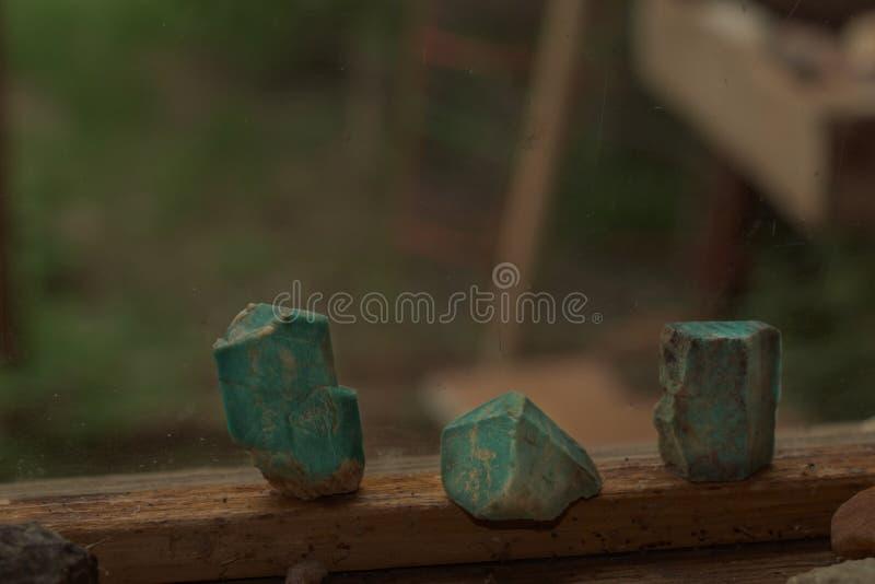 Cristais verdes azuis de Amazonite de Colorado fotografia de stock