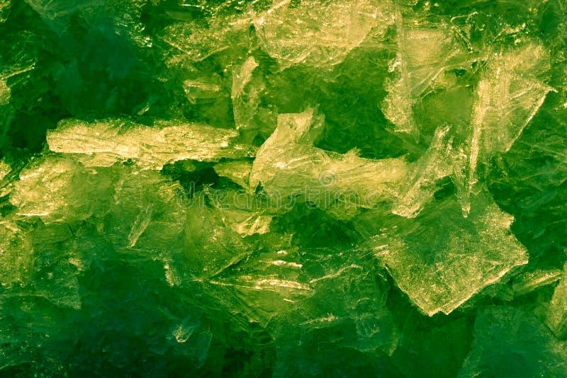 Cristal de hielo La textura abstracta del fondo del agua congelada pintó verde foto de archivo libre de regalías