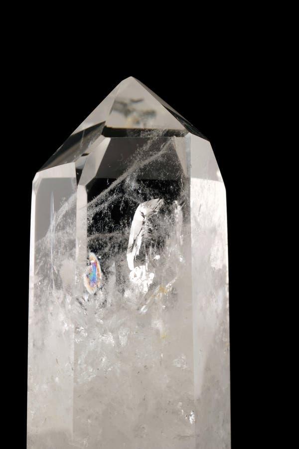 Cristal de quartz - backgro noir images libres de droits