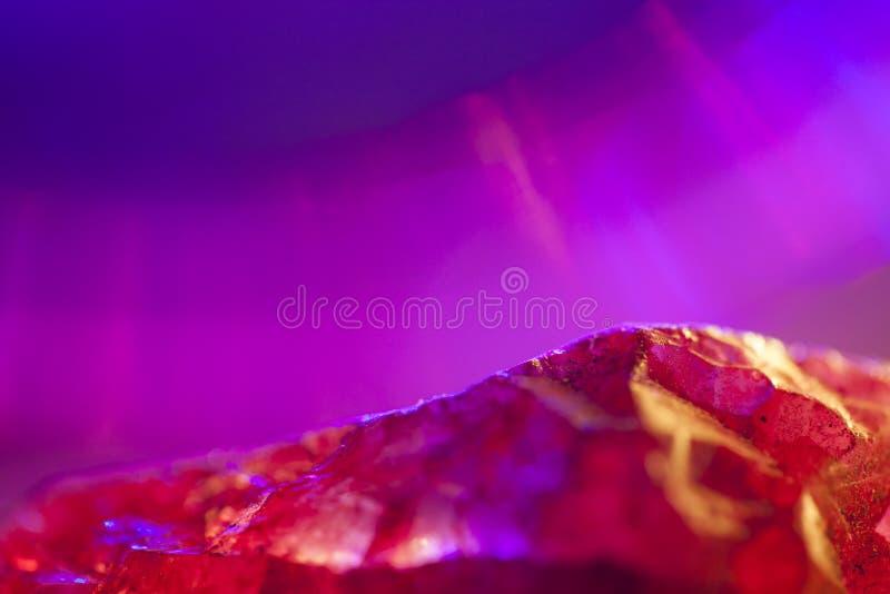 Cristal de quartzo cor-de-rosa imagem de stock royalty free