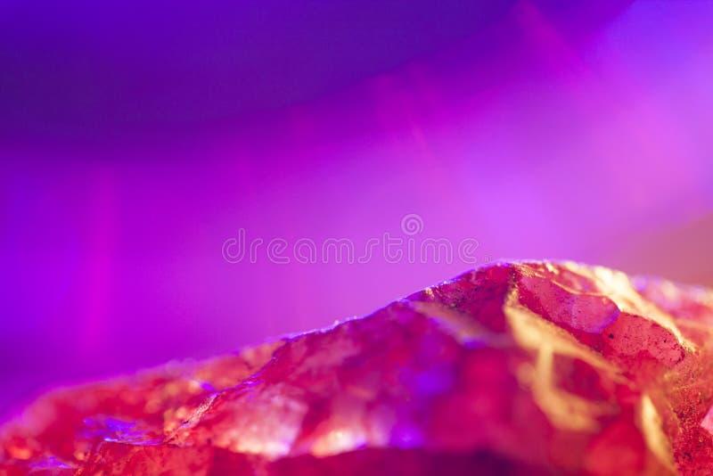 Cristal de quartzo cor-de-rosa imagens de stock