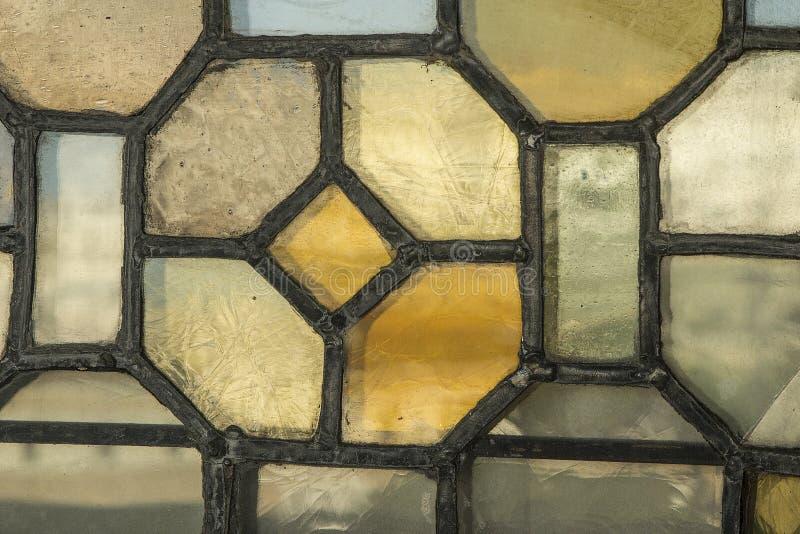 Cristal de ventana europeo de demostración del viaje de la iglesia antigua con romano imagen de archivo