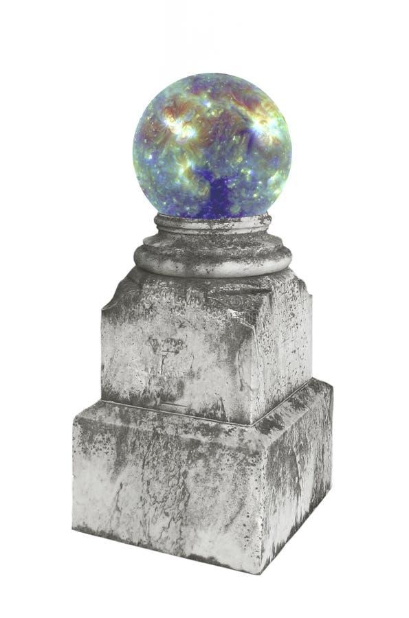 Cristal magique sur un pupitre. photos libres de droits