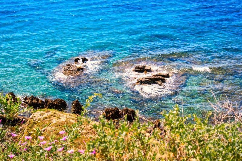 Cristal-Meerwasser in Piombino stockfotografie