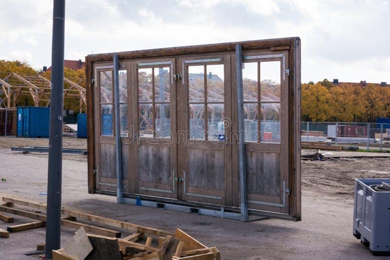 Cristal solo Glas del objeto cuatro de la construcción de la arquitectura de la puerta floja imagenes de archivo