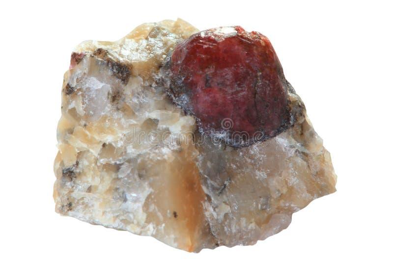 Cristal van granaat (almandine) stock afbeelding