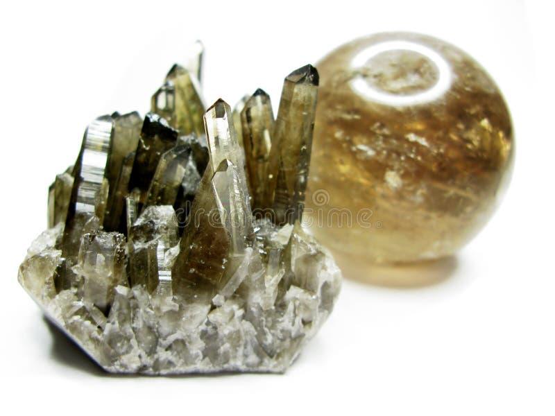 Cristales geológicos de la geoda del cuarzo ahumado imagenes de archivo