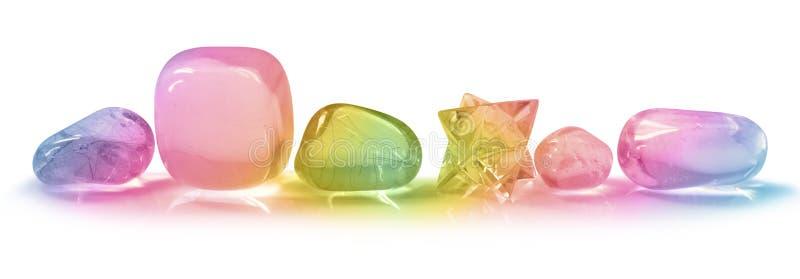 Cristalli dell'arcobaleno su fondo bianco fotografia stock