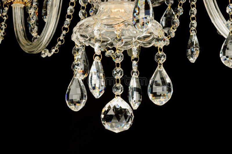 Cristalli di vetro contemporanei del candeliere immagine stock