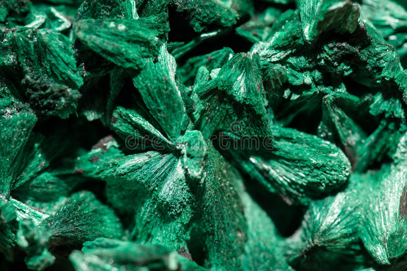 Cristaux verts de malachite photo libre de droits