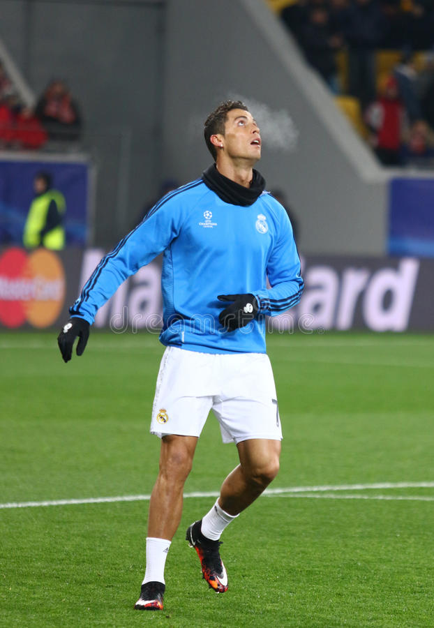Download Cristiano Ronaldo De Real Madrid Fotografia Editorial - Imagem de grama, madrid: 65577132