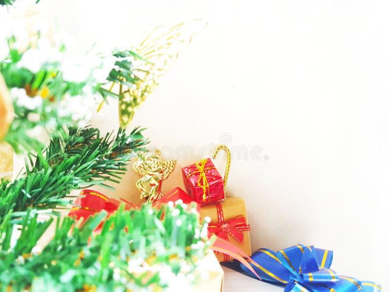 Cristmas garnering med gåvaasken Lycklig vändag Begrepp för dag för valentin` s fotografering för bildbyråer