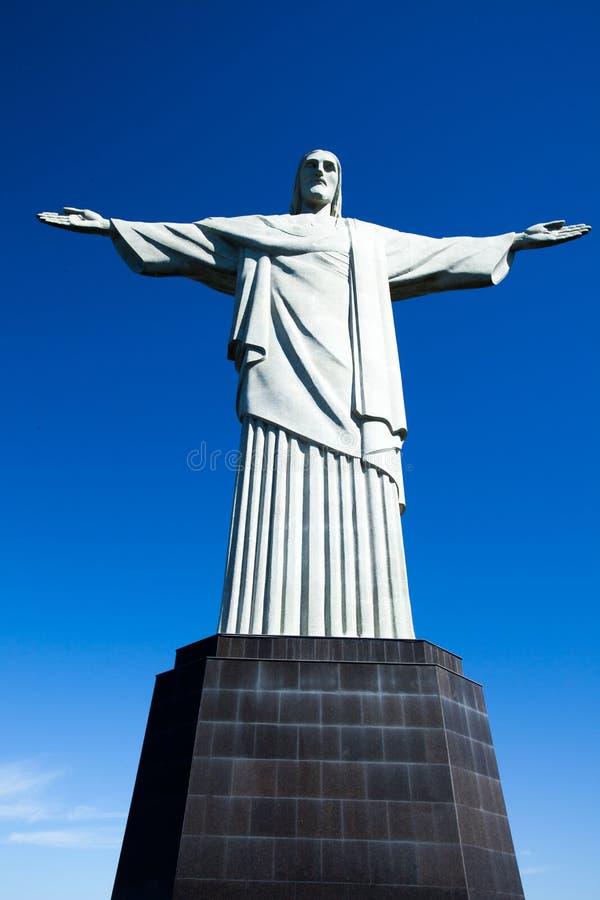 Cristo la estatua del redentor en Rio de Janeiro en el Brasil imagenes de archivo