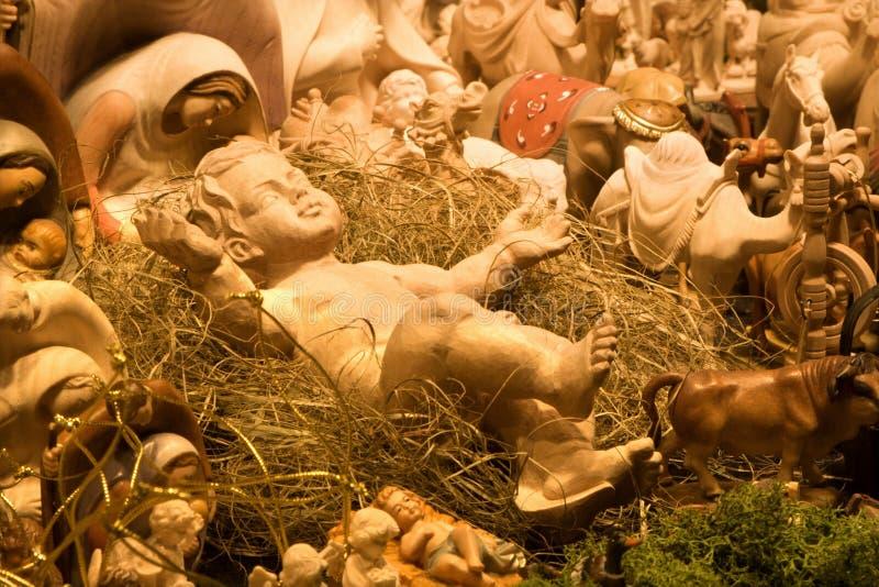 Cristo-niño en el pesebre foto de archivo