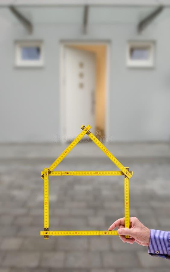Critère plié sous la forme d'une maison photo libre de droits